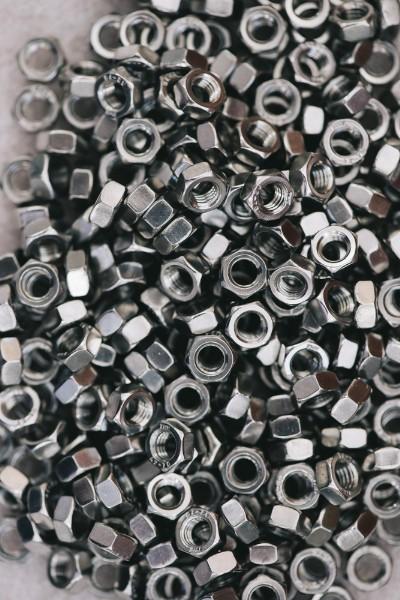 Utilita-della-Fosfatazione-allo-zinco-su-metalli_400x600