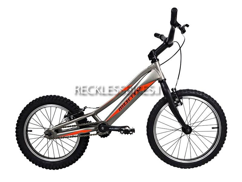 uno-sguardo-al-futuro-con-la-bici-monty_800x600