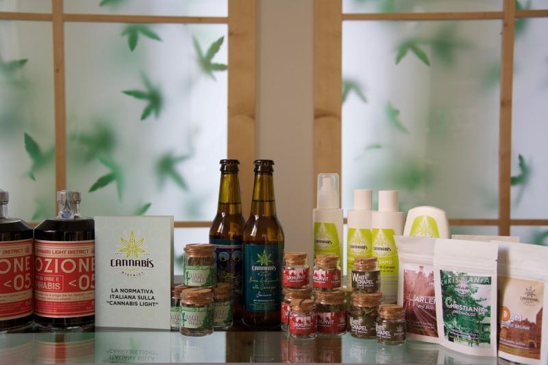prodotti cannabis light-min (1)_800x533